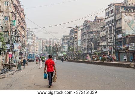 Dhaka, Bangladesh - November 20, 2016: View Of North-south Road In Dhaka, Bangladesh