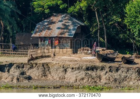Pangunchi, Bangladesh - November 19, 2016: Riverside House Near Pangunchi River, Bangladesh