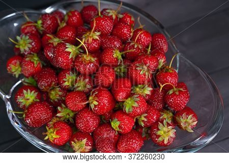Red Ripe Strawberries In A Vase.red Ripe Strawberries In A Vase