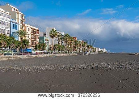 Santa Cruz De La Palma, Spain - November 12, 2019: Boulevard Avenida Maritima And The Beach Playa De