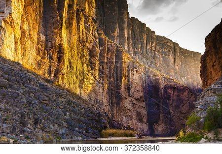 Santa Elena Canyon, Big Bend National Park, Usa, Showing Evening Sunrays.