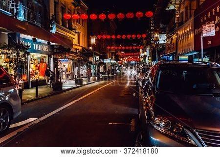 San Francisco, Usa - January 19, 2020: Chinese New Year Lanterns. City Streetlights In Chinatown At