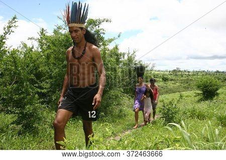 Itaju Do Colonia, Bahia / Brazil - November 29, 2011: Chief Akanawa, Indigenous Of The Pataxo Ha Ha
