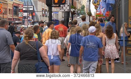 Crowded Place In Nashville - The Broadway - Nashville, Usa - June 17, 2019