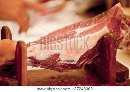 Deliscious Fresh Parma Serrano Ham Slices Pork Gourmet Jamon