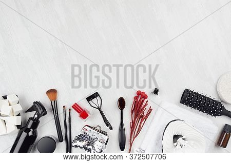 Black Beauty Products, Accessories For Makeup, Manicure - Brushes, Sponges, Buds, Pads, Towel, Red N