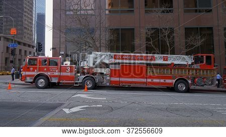 Los Angeles Fire Department Car In Downtown - Los Angeles, Usa - March 18, 2019