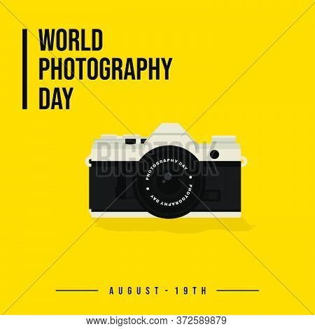 World Photography Day Vector Illustration With Mirrorless Camera. Good Template For Photography Desi