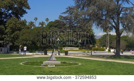 Beverly Gardens Park In Beverly Hills - Los Angeles, Usa - March 18, 2019