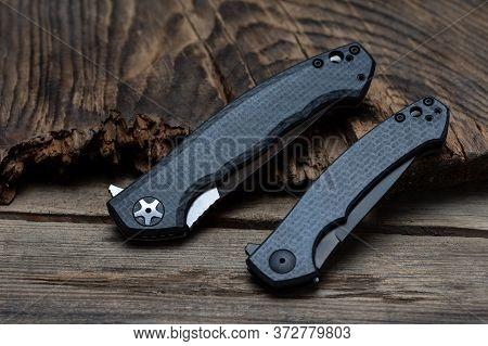 Comparison Of Two Similar Knives Of The Same Manufacturer. Two Knives In The Folded Position. Edc Kn