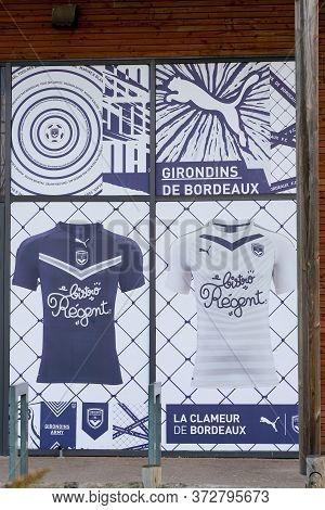 Bordeaux , Aquitaine / France - 11 07 2019 : Fc Girondins De Bordeaux Logo Windows Sign Shop Store F