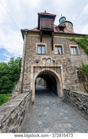 Sucha, Dolnośląskie / Poland-18 June 2020.: Czocha Castle Located In The South Of Poland. Old Defens