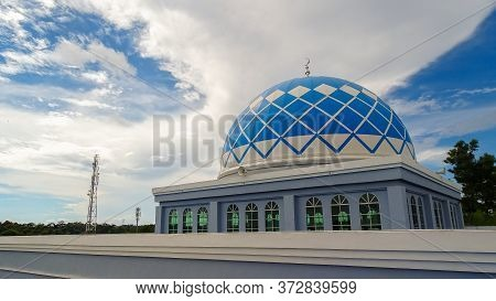 Labuan,malaysia-june 21,2020:the Dome Of Sultan Muhammad V Mosque During Sunny Day At Labuan,malaysi