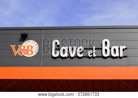 Bordeaux , Aquitaine / France - 11 07 2019 : V&b V And B Cave Bar And Cellar Sell Wine Beer Shop And