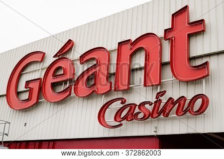 Bordeaux , Aquitaine / France - 01 15 2020 : Geant Casino Logo Sign Store Of French Retailer Brand S