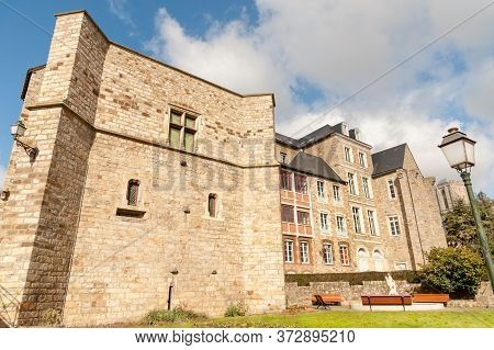 Medieval Palace Of The Counts Of Maine Built On The Roman Ruins And Jacques-peletier Garden, Le Mans
