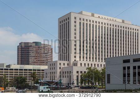 Los Angeles, California, Usa- 11 June 2015: Modern, Elegant Downtown Buildings In Los Angeles.