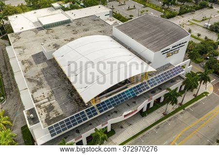 Fort Lauderdale, Fl, Usa - June 25, 2020: Aerial Photo Museum Of Discovery And Science Fort Lauderda