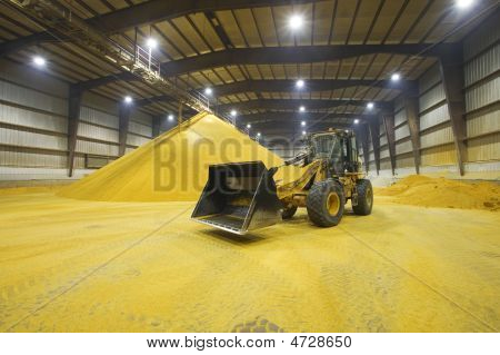 Tractor - Heavy Machinery