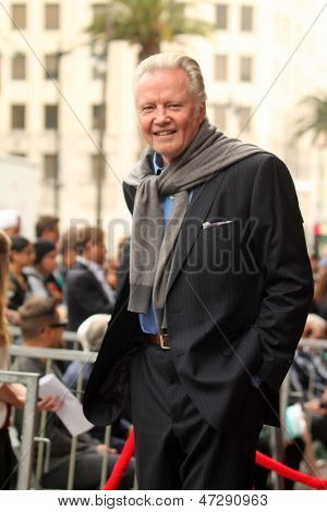 LOS ANGELES - JUN 24:  Jon Voight at  the Jerry Bruckheimer Star on the Hollywood Walk of Fame  at the El Capitan Theater on June 24, 2013 in Los Angeles, CA
