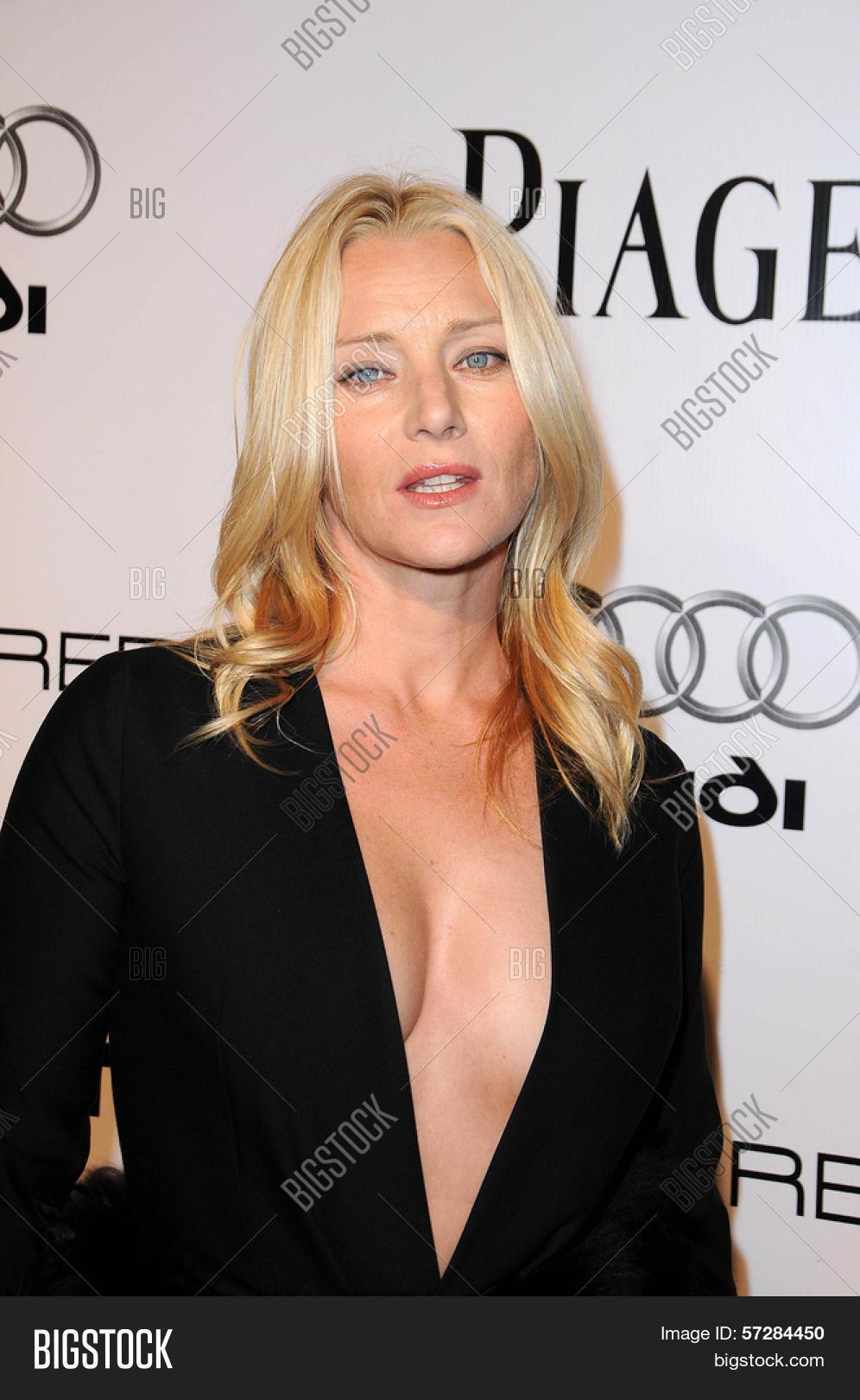 Angela Featherstone Nude Photos 25