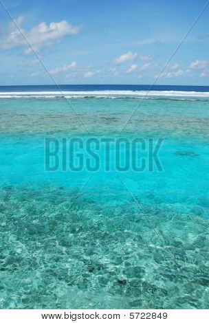 Maldives Scene With Gorgeous Water/cloudscape
