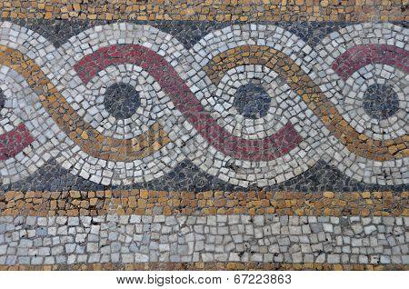 Mosaic Abstract Circles Pattern