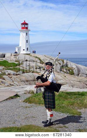 Man play bagpipe