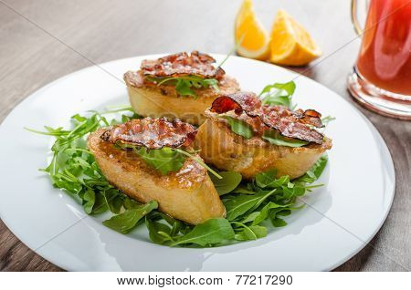 French Toast With Honey And Bacon