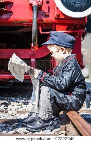 Newspaper Break