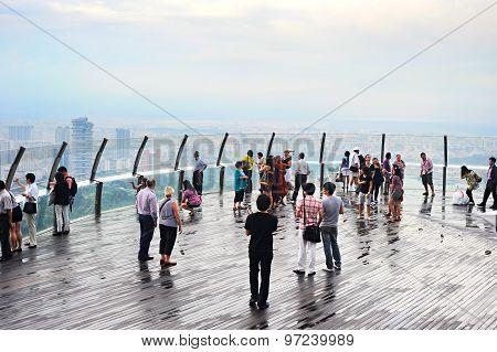 Overlooking Point