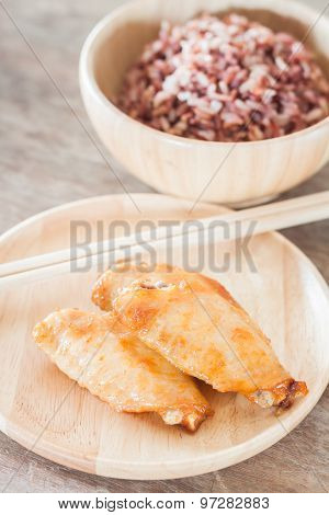 Grilled Chicken Wings With Multi Grains Berry Rice