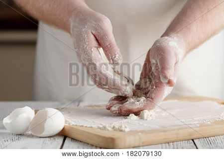 Sifting Wheat Flour Into The Bowl,food Ingredient,prepare For Cooking Or Baking