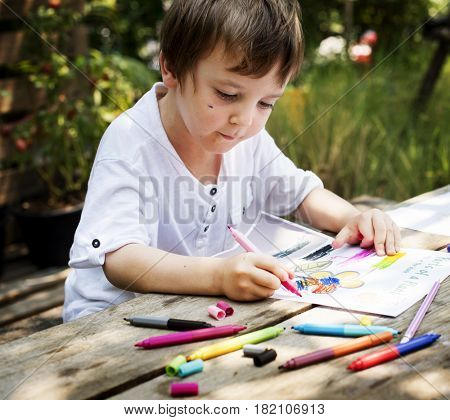 Children is drawing some idea