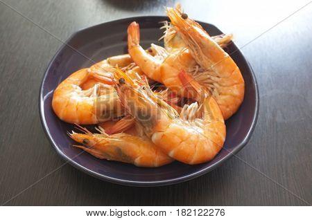 Thai cuisine , Steamed prawns in Purple dish