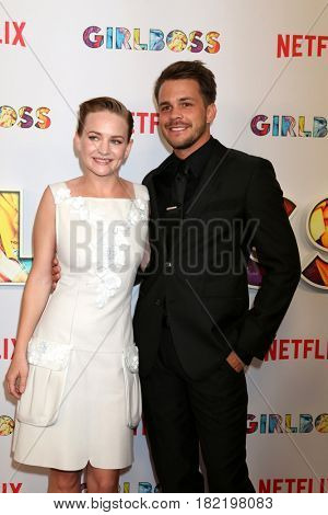 LOS ANGELES - APR 17:  Britt Robertson, Johnny Simmons at the