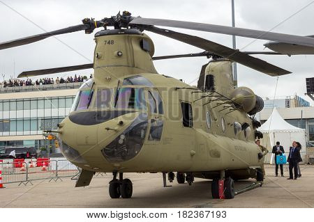 Us Army Boeing Ch-47 Chinook Helicopter