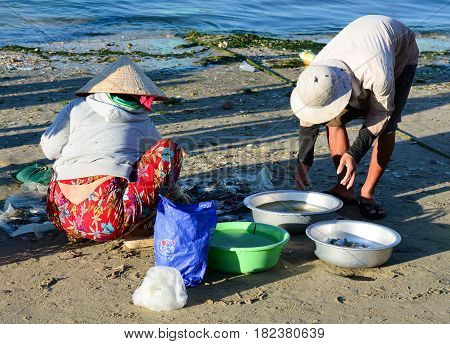 People At The Fish Market In Phan Thiet, Vietnam