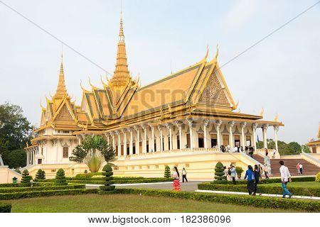 Phnom Penh, Cambodia - Jan 30 2015: Visitors At Royal Palace. A Famous Historical Site In Phnom Penh