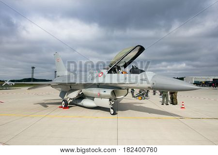 F16 Fighter Jet Aircraft