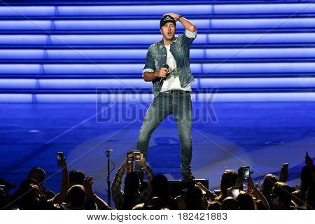 HOLMDEL, NJ-JUNE 2: Country music artist Luke Bryan performs onstage at the PNC Bank Arts Center on June 2, 2016 in Holmdel, New Jersey.
