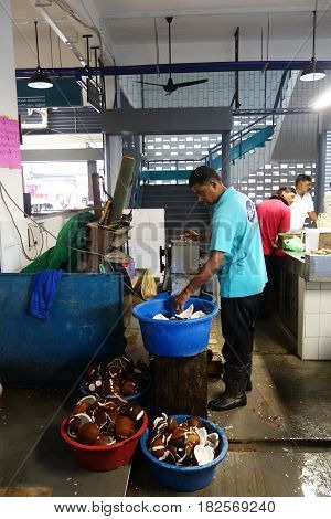 Local Vendor Sell Coconut Shaving At Local Wet Market