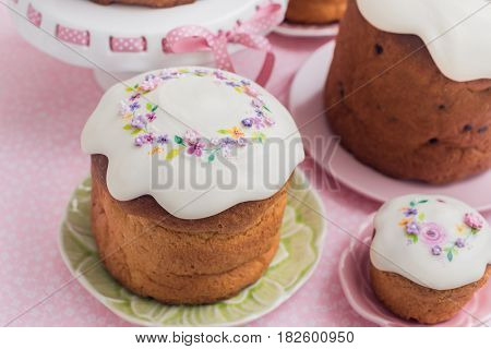 Traditional easter cakes.