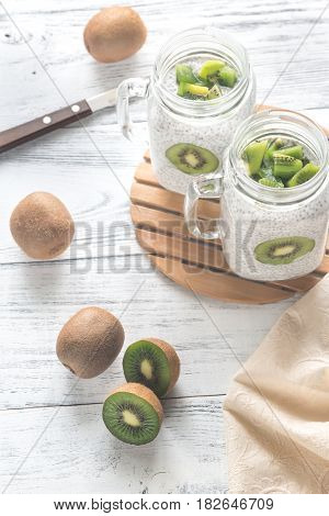 Chia Seed Puddings With Kiwifruit Slices