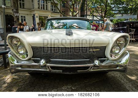 BERLIN - JUNE 05 2016: Full-size luxury car Lincoln Continental Mk III. Classic Days Berlin 2016.