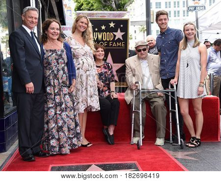 LOS ANGELES - APR 17:  Gary Sinise, Moira Harris and Family Walk of Fame Honors Gary Sinise on April 17, 2017 in Hollywood, CA