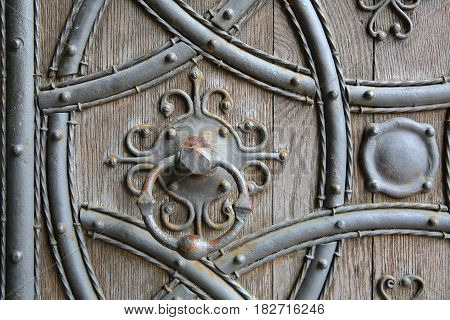ROCHESTER, UK: Close-up on Rochester Cathedral western entrance door