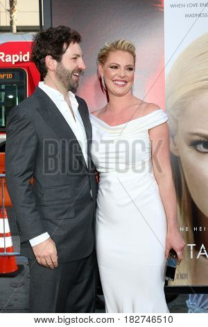 LOS ANGELES - APR 18:  Josh Kelley, Katherine Heigl at the