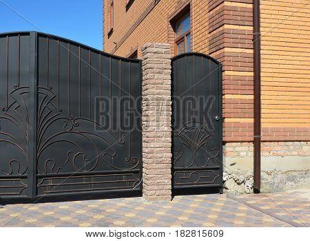 Outdoor house gate and metal door installation