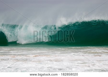 Giant wave hits the coast of Boa Vista, Cape Verdi